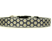 1 Inch Wide Dog Collar with Adjustable Buckle or Martingale in Daisy Chain