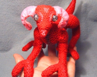 Kaquel, OoaK poseable crocheted dragon creature