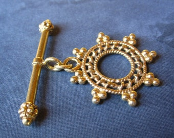 Star Bali - Large Vermeil gold plate over Sterling Silver toggle clasp - 26mm