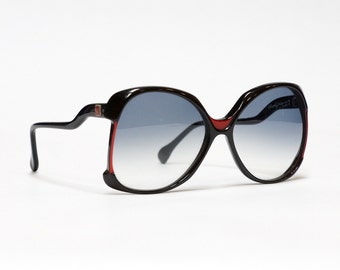 Oversized vintage sunglasses by Molyneux - in black and red, made in France