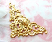 CLOSEOUT * Cartouche Plaque Brass Floral Scroll Ornate Corner Stampings ~ Jewelry Ornament Findings (C-1007)