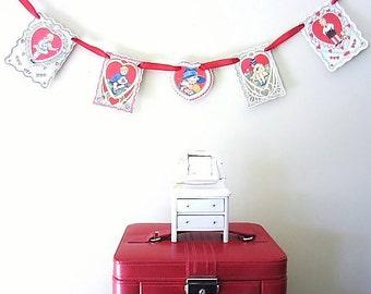 Valentine Garland, Valentine's Day Decor, Vintage Valentine Garland, February Wedding Decor, Banner