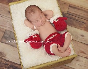 Crochet Boxing Set , Boxing gloves with trunks , Boxing Outfit , Boxer Set , newborn , infant , Newborn Photo prop , Custom Colors