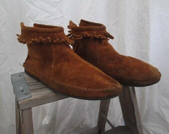 Minnetonka Moccasin Fringe ankle Boots Zipper back vintage brown fringe moccasins suede leather boho boots mocasins  8.5 9
