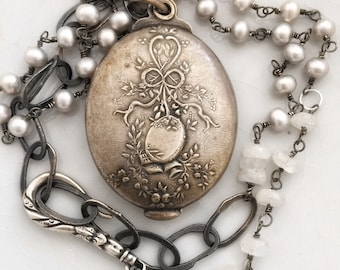 Kincaid, necklace with antique English mirror