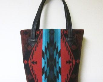Bucket Bag Purse Tote Bag Black Leather Southwest Spirit of the People Wool from Pendleton Oregon 5 Pockets