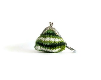 Green White Wool Hand Knit Keychain Coin Purse, Clasp Mini Pouch, Bag Accessories, Knitted, Cute, Tiny Coin Purse, Gifts Under 15, branda