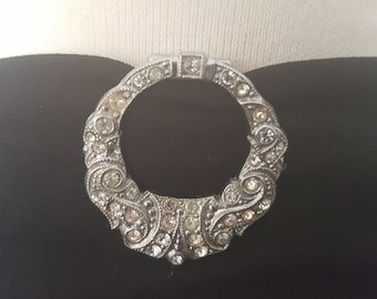 Cute Little Circular Art Deco Rhinestone Dress Clip