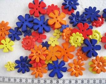 30 pcs of Flower Button - 15mm to 33mm - Red Dark Blue Orange Yellow