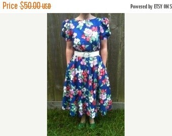 ON SALE Retro 1980's Ladies Clothing Flower Garden Vintage Cotton Floral Dress, Size 10, Puffy Sleeves, 1980's Fashion Design & Style