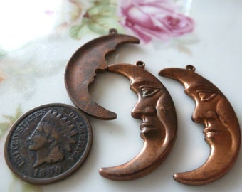 Vintage Pendant Drops, 1950s Nouveau Man in the Moon Crescents, Raw Solid Die Cast Copper Tone Brass Jewelry Findings, 32mm, 1 piece (C3)
