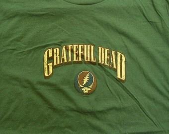 Grateful Dead SYF Short Sleeve Shirt  Sizes XL 2XL    Deadhead  mens clothing