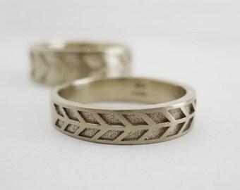 4mm Arrow Wedding Band | Women's White Gold Wedding Band | White Gold Chevron Wedding Ring | Eco friendly Wedding Ring