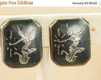 ON SALE Vintage Siamese Silver Clip Earrings