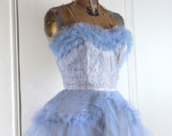 vintage 1950s Powder Blue Strapless Lace & Tulle Party Dress - size medium to large
