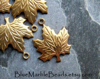 Maple Leaf Charm, Brass Finding, Brass Charm, Leaf Charm, Leaf Pendant, Vintage Charm, Vintage Bead, Vintage Finding, Autumn, 10 Leaves