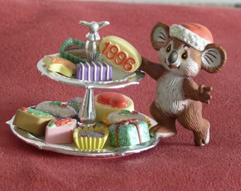 Mouse and Petie Fours Christmas Decoration - 1996