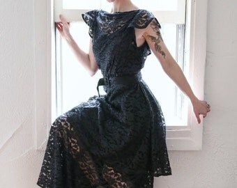 ON SALE 1930s Lace Maxi Gown . SMALL