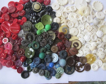 Vintage Buttons - Large lot of Cottage chic mix of colors and white lot of 263, old and sweet(Cottage 1)