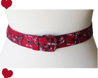 Vintage 50s Belt / Red Buckle Belt / Nylon Red Belt / Red Print Belt / Vintage Red Belt / Rockabilly Belt/ Pinup Belt / Dress Skirt Belt / M