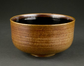 Soda-fired Stoneware Japanese Tea Ceremony Bowl (Matcha Chawan)