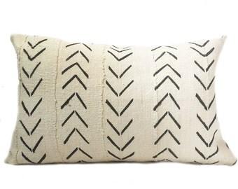 Vintage African White Arrows Mudcloth Lumbar Pillow 14x24