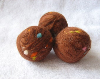 Set of 3 dryer balls 100% wool chocolate brown dots