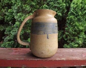FREE SHIPPING RARE vintage pitcher pottery primitive (Vault 11)