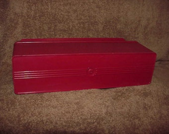 Vintage--American Thermos Bottle Company--SANDWICH Keeper--Picnic BOX--Red