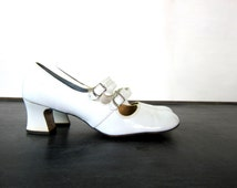 Retro 1960's Women's Shoes White Slip On Mod Shoes Heels Buckle Dress Shoes Women's size 8.5 AA Hipster GO GO shiny patent shoes