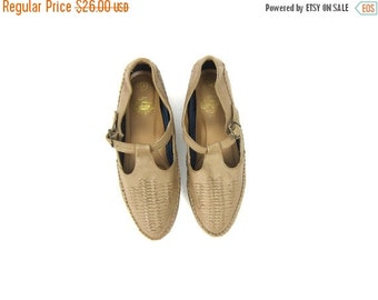 Woven Leather Moccasins Tstrap Sandals Taupe Summer Flats Vintage Spring 1990s Huaraches Hipster Preppy Bohemian shoes Women size 9 Dells