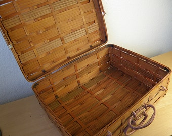 Large Bamboo Picnic Basket or Storage Basket..Made in Japan