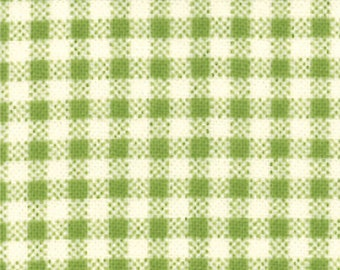 Oops A Daisy 1 & 1/2 Yard Remnant 32487-15 Green