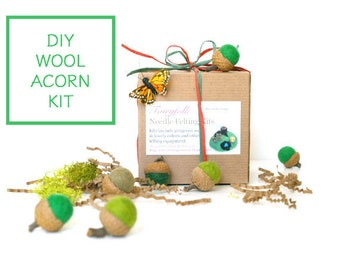 Needle Felting Kit Beginner - Felted Acorn Kit - Wool Acorn Kit - Waldorf Craft Kit - DIY Craft Kit - Children - Kids - Green