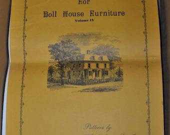 Cabinetmaker's Guide for Dollhouse Furniture Volume IV Dorsett Queen Ann Style