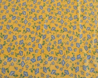 Free Shipping! Vintage Yellow Calico with Cornflower Blue Flowers. 1/2 Yard. 16160