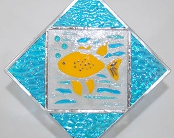 Fishie Fused Glass Suncatcher