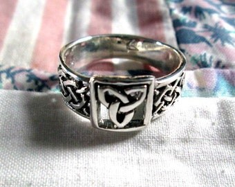 RING - TRINITY Knot  - CELTIC  - Wide - Sterling Silver -  925 - Size 10 3/4 misc271