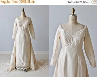 SALE 1960s Wedding Dress / Empire Waist / Sheath / Detachable  Train / Lauren