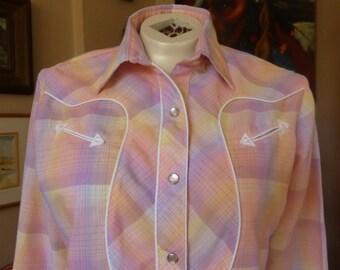Vtg 1970s Pastel Pink Plaid Pearlsnap Western Blouse S/M ls