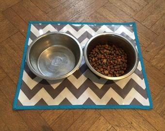 Grey Chevron Pet Mat with Teal Border Waterproof