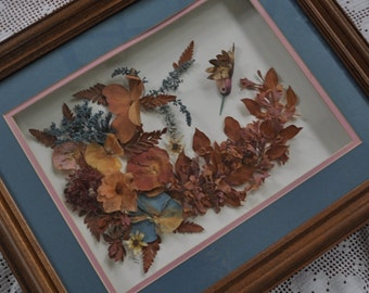 Dried Flowers With Bird Assemblage Wall Art/Vintage 1990s/Dried Floral Picture