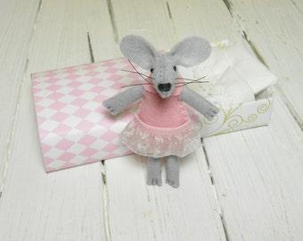 Felt woodland animal sleepy plush travel toy Waldorf stuffed animal mouse in matchbox with bed gift miniature geometric pink