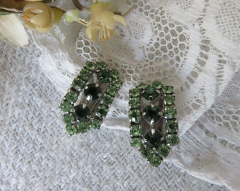 Pretty Pair of Vintage French Clip On Earrings, 1950s Green Glass Glamour, Chic French Jewelry, Sparkly Vintage Fashion Accessory,