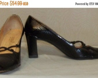 ON SALE Vintage 1940's Palter DeLiso Patent Leather Shoes Heels Pumps 7 AAA Black