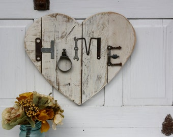 Reclaimed Wood Heart- Junk Chic- Flea Market Style- Home Sign