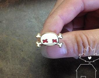 Skull & Cross Bones: 14k Gold Plated Lapel Pin