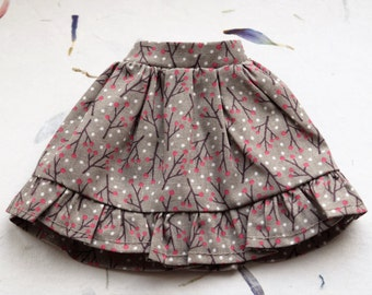 Beautiful pale grey print skirt with ruffle for Blythe doll