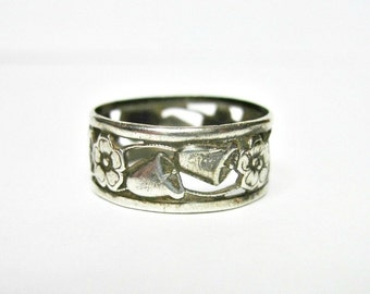 Antique Edwardian Sterling Silver Wedding Band Ring - Wedding Bells - Flowers - Patterned Band - Size 7 - H. Wexel & Co.