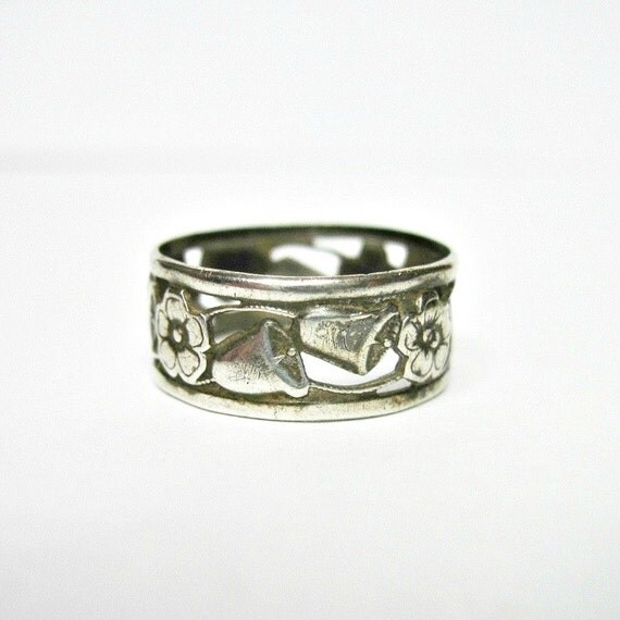 antique edwardian sterling silver wedding band by